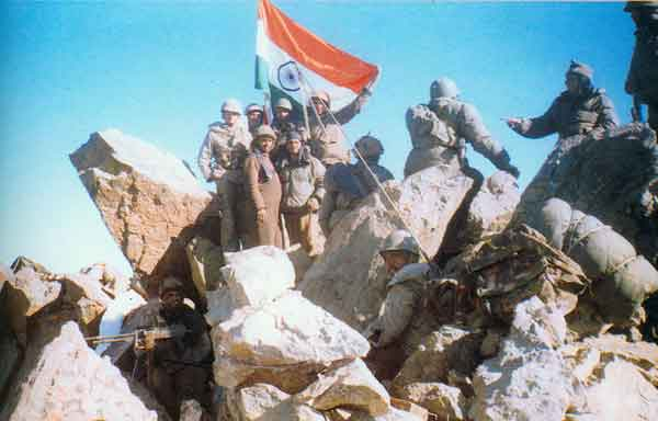 kargil indian army soldiers pictures proud moment  victory day