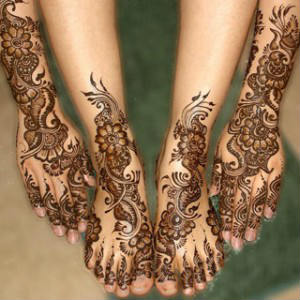 Gorgeous indian mehandi design for maried girls on karvachauth 2015