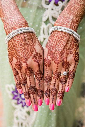 Indian mehandi design for girls or women on Karva chauth celebration