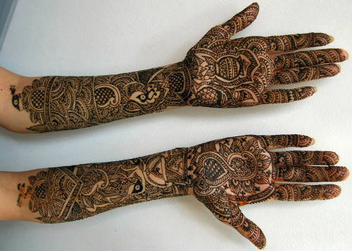 Rajastani mehndi designs for Karva chauth for girs and married women