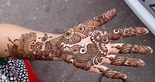 Simple pakistani mehndi design for girls hd pics